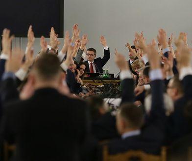 Kontrowersyjne obrady odbyły się 16 grudnia 2016