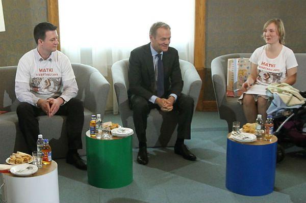 Donald Tusk na spotkaniu z rodzicami dzieci urodzonych w I kwartale 2013 roku