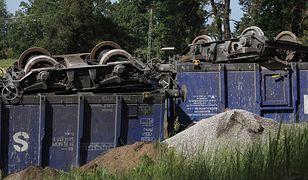 Wykolejone wagony między Suwałkami a Augustowem. Utrudnienia trwają