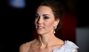 Księżna Kate na rozdaniu nagród BAFTA. Postawiła na elegancką biel