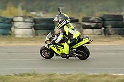 #dziejesiewmoto [280]: dwulatek na motocyklu, kuriozalny wypadek i polskie drogi