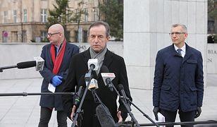 Marszałek Senatu Tomasz Grodzki przed otwarciem posiedzenia.