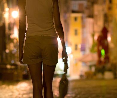 Większość kobiet pracująca w seksbiznesie to ofiary handlu ludźmi, które są do tego zmuszane
