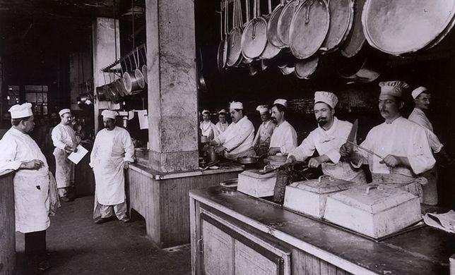 Kucharze z nowojorskiej restauracji Delmonico's na przełomie XIX i XX wieku