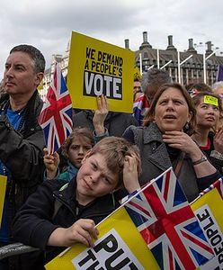 """Brytyjczycy zakładają się o brexit. Dla bukmacherów im """"ciekawiej"""", tym lepiej"""