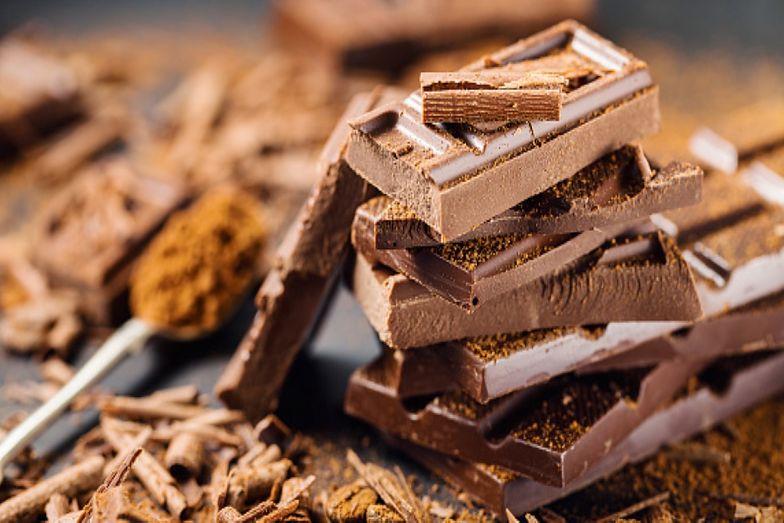 Wegańska czekolada. Przepis na słodkości bez dodatku mleka