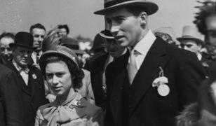 """""""The Crown"""": Królowa Elżbieta i lord Porchie. Romans na dworze królewskim?"""