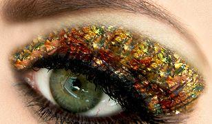 Makijaż na sylwestra pozwala na szaleństwo z kolorami i ozdobami na powiekach.