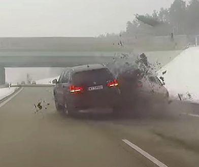 Rozbił auto z spokojnie jadącej rodziny, a Policja podsumowała to 500-złotowym mandatem.