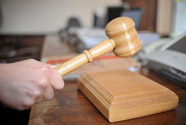 Wyrok nieważny, bo niemiecka sędzia wysyłała SMS-y