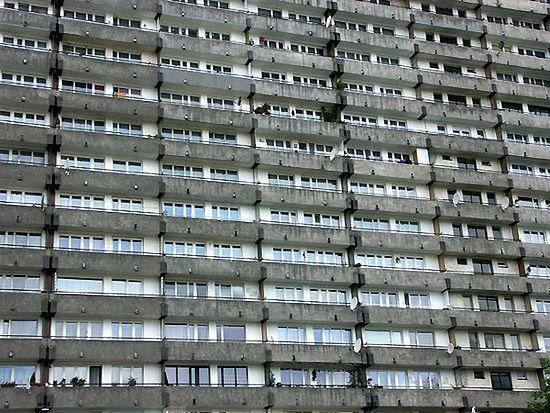 Bogaci będą wyrzucani z mieszkań komunalnych