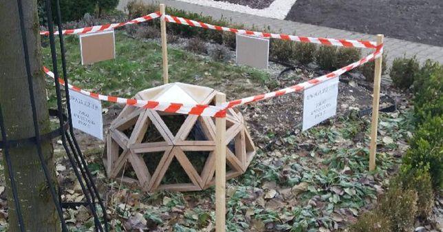 Proszowice k. Krakowa. Lokalni miłośnicy przyrody zadbali o ochronę zimowego legowiska jeża