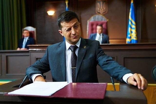Czy Zielenski przeniesie się z serialu do pałacu prezydenckiego w Kijowie?