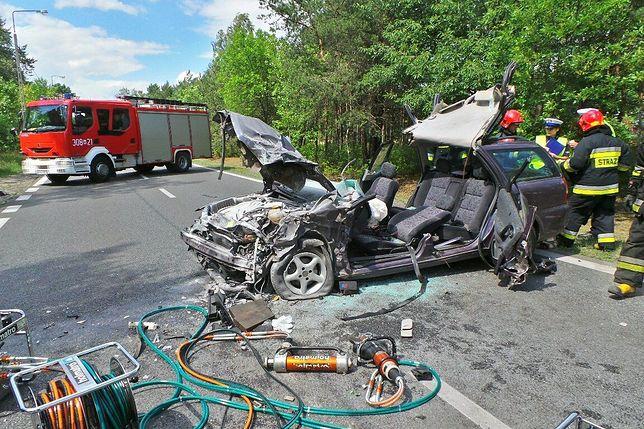Wypadek na ul. Patriotów. Trzy osoby ranne. Utrudnienia