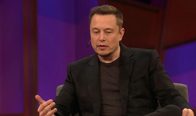 Elon Musk znów ostrzega przed AI