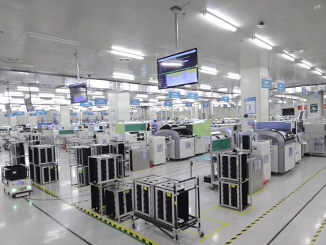 Fabryki świecą pustkami, bo miejsca ludzi zajęły roboty
