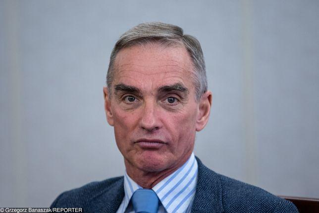 Senator PiS Jan Maria Jackowski zdradził, że parlamentarzyści nie są zadowoleni z obniżki pensji zaproponowanej przez Jarosława Kaczyńskiego