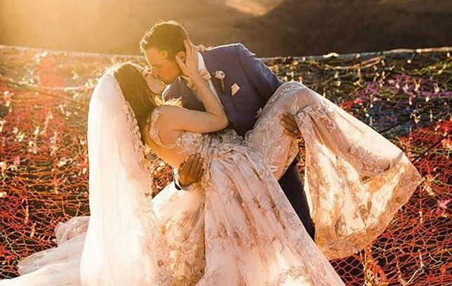 Kimberly i Ryan wzięli ślub nw malowniczej scenerii kanionów w Moab w stanie Utah