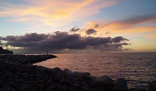 Zachód słońca na plaży w Lido (Funchal, Madera)