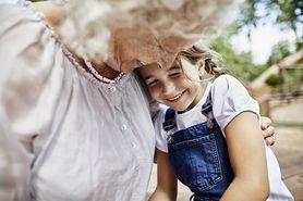 Laurka dla babci i dziadka. Jak ją wykonać?
