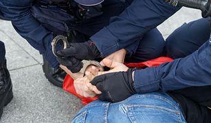Polak zatrzymany na lotnisku pod Kijowem. Był ścigany przez Interpol