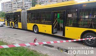 Ukraina. 27-latek wrzucił do trolejbusu koktajl Mołotowa