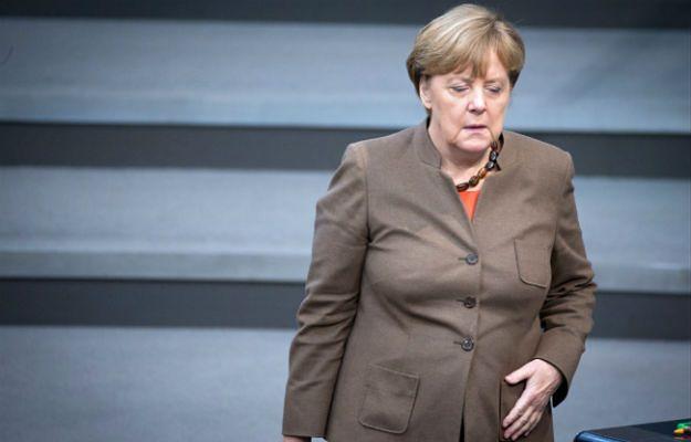 Polityczni rywale Angeli Merkel wzywają ją do dymisji