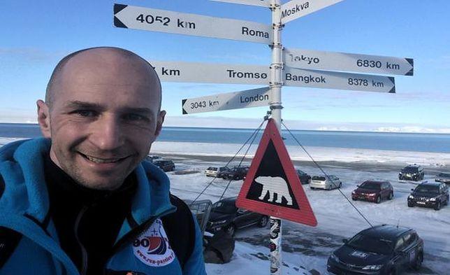 Gdyński biegacz nie pobiegł w polarnym maratonie. Winny pęknięty pas startowy