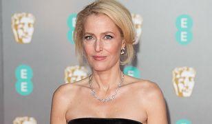 """""""The Crown"""" sezon 4.: Gillian Anderson wcieli się w Margaret Thatcher. Uderzające podobieństwo"""