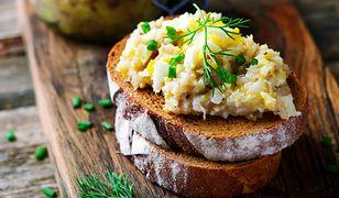 Pasta kanapkowa to jedna z propozycji na śniadanie.