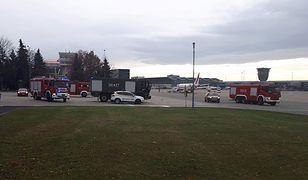 Na zawróconego bombardiera czekała już straż pożarna i lotnicze służby ratownicze