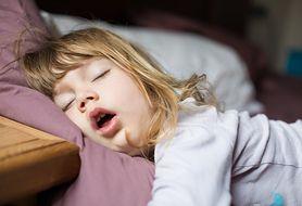 Sen a ból głowy u dziecka
