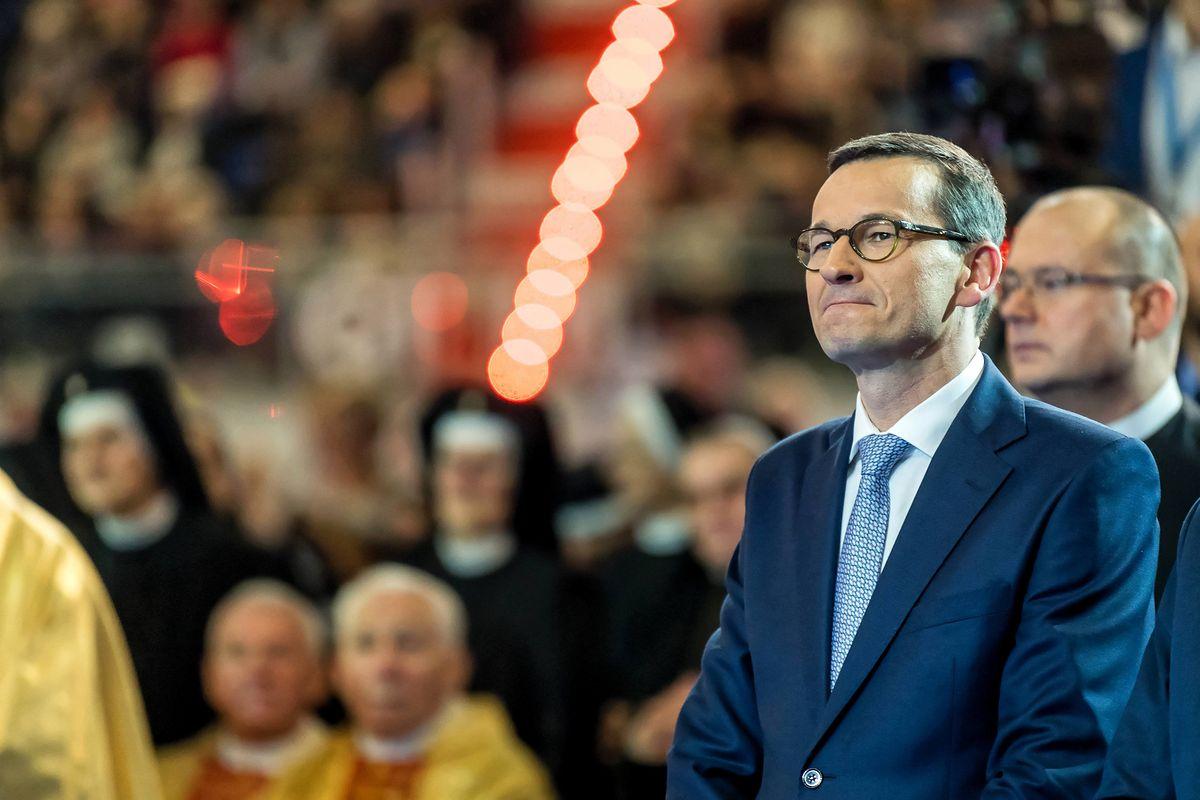Rok Morawieckiego. 12 miesięcy nieprzerwanych kryzysów [FELIETON]