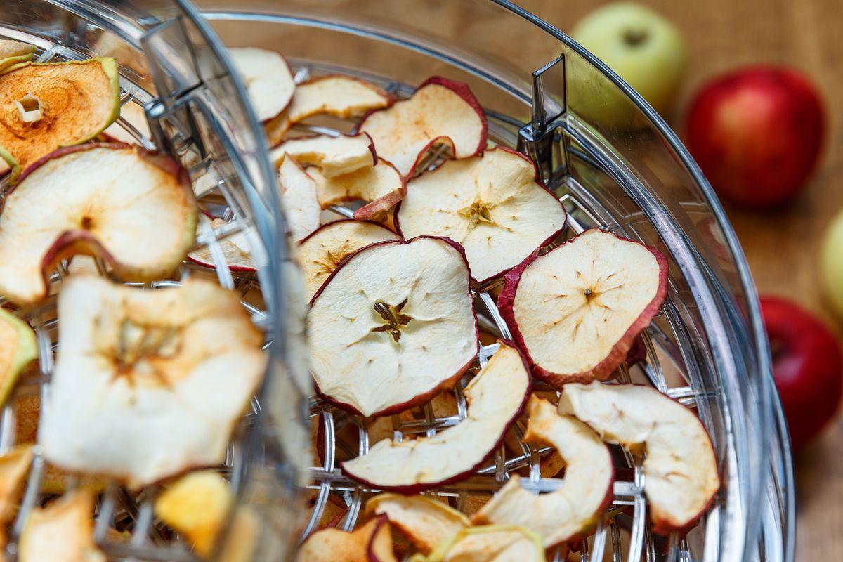 suszarka grzyby jabłka kuchnia suszone owoce