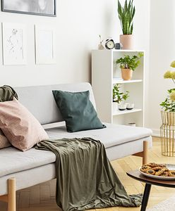 Stolik kawowy – jak dobrać jego wysokość, kształt i styl do aranżacji salonu?