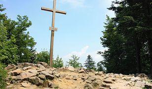 Skała Agaty. Oficjalnie uznana za najwyższy szczyt Gór Świętokrzyskich