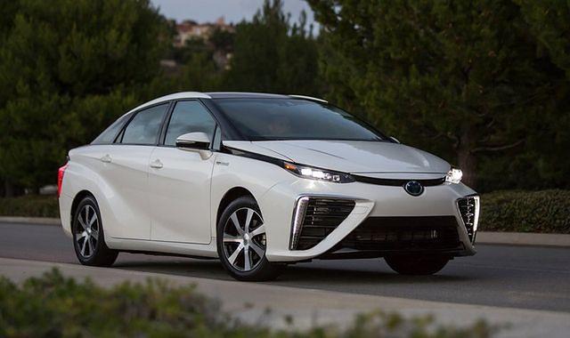 Toyota zwiększa produkcję modelu Mirai