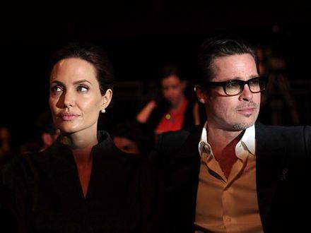 Angelina Jolie i Brad Pitt nad morzem