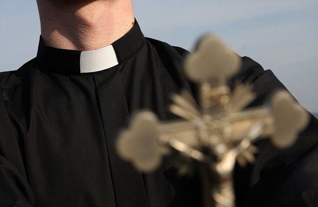 Duchowni często są wodzeni na pokuszenie