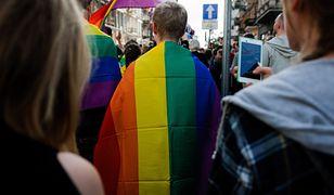 Według strony stoppedofilii.pl 70 procent zachowań na AIDS dotyczy homoseksualistów
