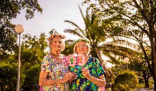 Stuletnie bliźniaczki w zachwycającej sesji zdjęciowej
