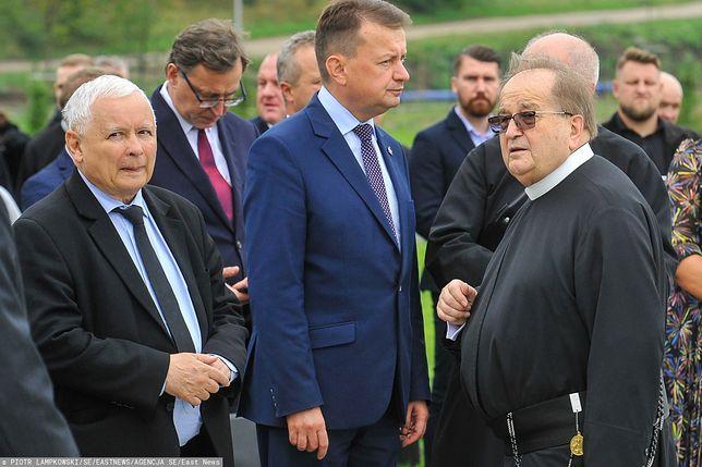 Ojciec Tadeusz Rydzyk z Jarosławem Kaczyńskim i Mariuszem Błaszczakiem