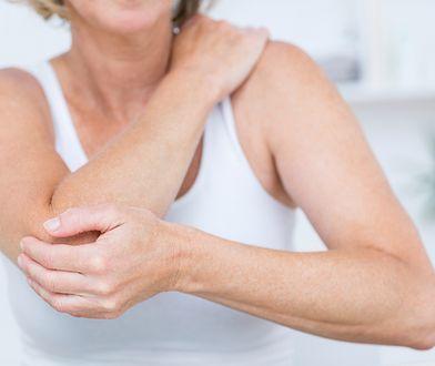 Ból stawów można zredukować za pomocą suplementów i preparatów na stawy