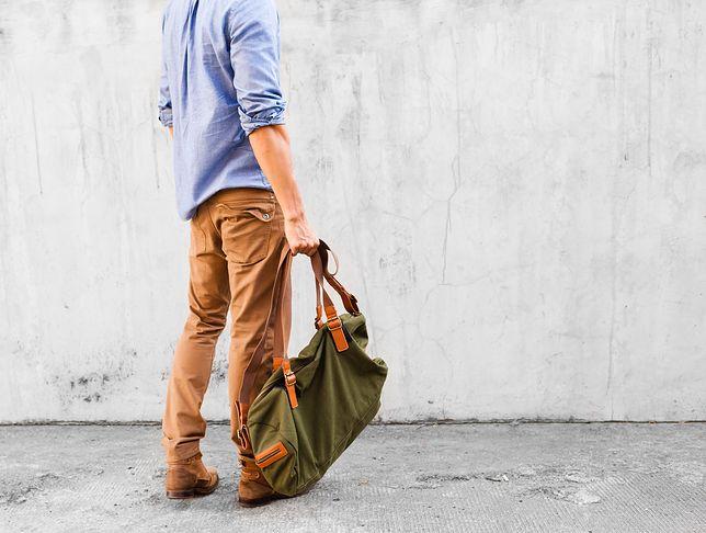 Kolorowe spodnie będą dobre na cieplejsze miesiące