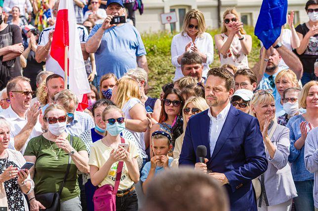 Wybory 2020. Wizyta kandydata na prezydenta Rafała Trzaskowskiego w Kielcach 7 czerwca