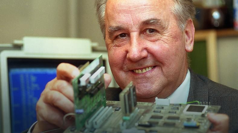 K-202 mityczny komputer Karpińskiego — część 3 - Jacek Karpiński zdjęcie z 1993 roku. Foto: Grzegorz Rogiński