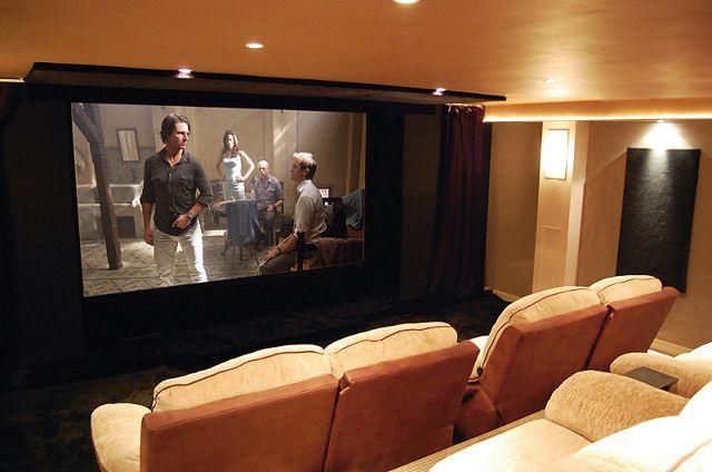 Prace nad stworzeniem tej instalacji kina domowego trwały około sześciu miesięcy. Efekt z pewnością wart był wysiłku.