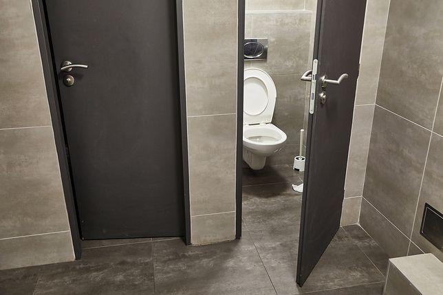 Ukryte kamery montowane są m.in. w toaletach