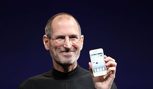 Steve Jobs z iPhone'em