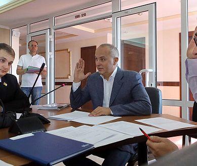Ukraińska emerytka nie miała za co żyć. Polityk Jewhenij Brahar doradził jej sprzedaż psa